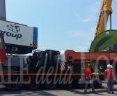 Trasporto eccezionale al Porto di Gaeta: lo sbarco di un gigantesco boiler da 130 tonnellate