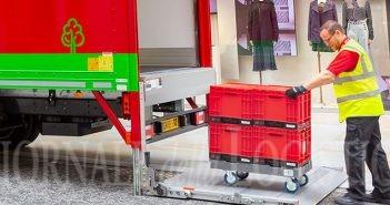 Arcese introduce le Redbox: contenitori plastici riutilizzabili per un trasporto sempre più sostenibile
