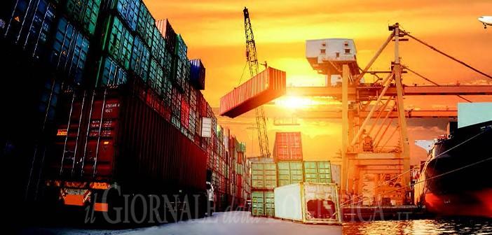 L'utilizzo improprio del trasporto in container: le onde della contraffazione
